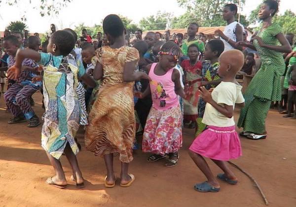 voyage solidaire humanitaire en Afrique